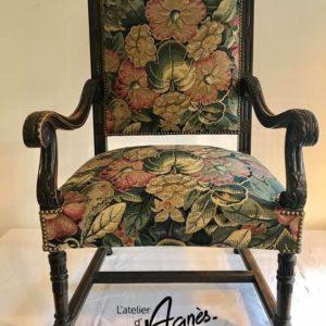 Restauration fauteuil de style Louis XII - Guindage, garniture piquée 2