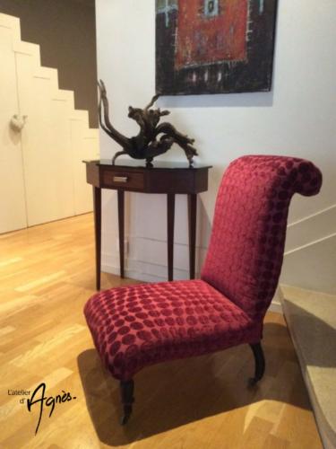 Chaise basse Napoléon III, dossier crosse réalisé en crin