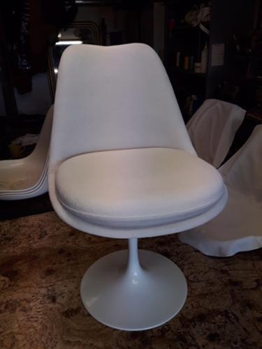 Restauration de chaises Tulip Knoll